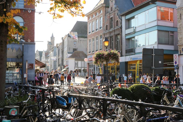 Oktober is klaar voor het Warm Welkom Weekend in Mechelen Archieffoto 2018 Verschueren Eddy (Mechelen op zijn Best)
